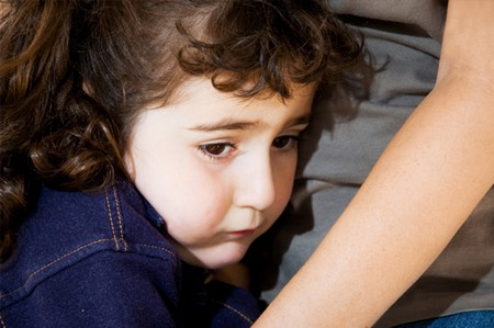 How to Deal with Your Children Clinging to You  Children Clinging1