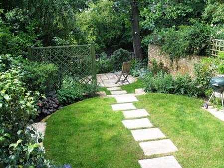 How to design a sloping garden in a very small area for Small sloping garden designs
