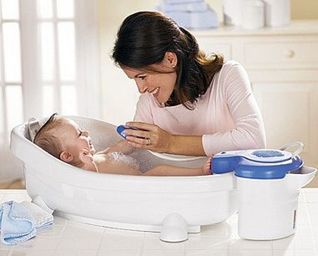 How to Give Your Baby a Bath Give Baby Bath