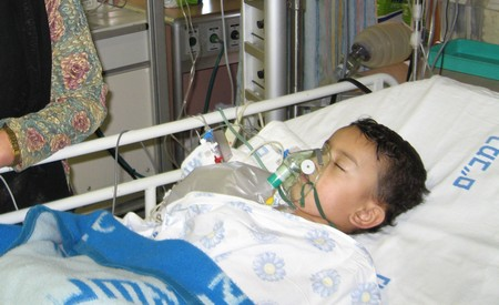 How to Give Oxygen to a Patient with Breathing Difficulties Give Oxygen Patien