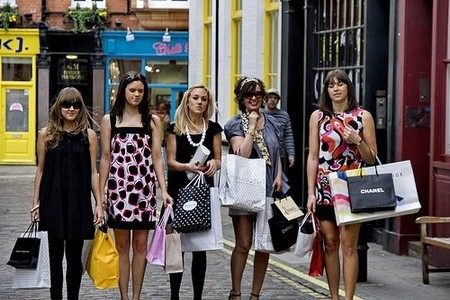 How to Go Shopping when Traveling around Europe  Shopping