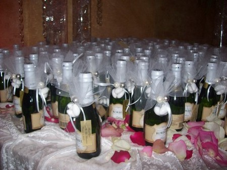 How to Pick the Right Wine for Wedding and Anniversaries Wine Wedding and Anniversaries