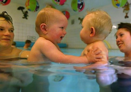How to Teach Your Baby Swimming at Home Baby Swimming