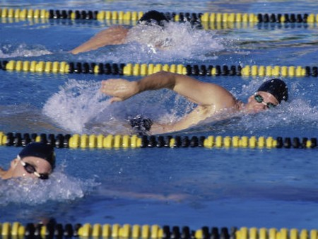 How to Know the Pros and Cons of Competitive Swimming Competitive Swimming