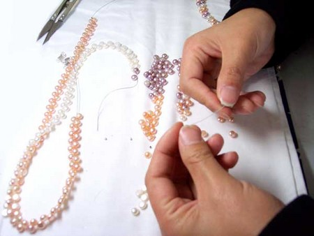 How To Identify Fake Pearls