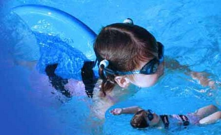 How to Choose Swimming Aids for Your Children Swimming Aids