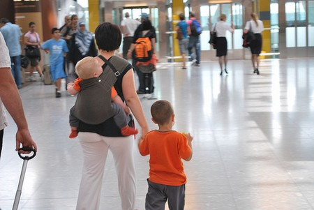 How to Ease Traveling with Kids Traveling with Kids