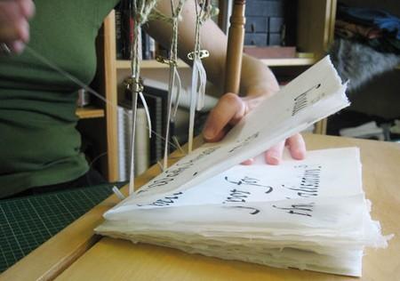 How To Use a Book Binder Book Binder