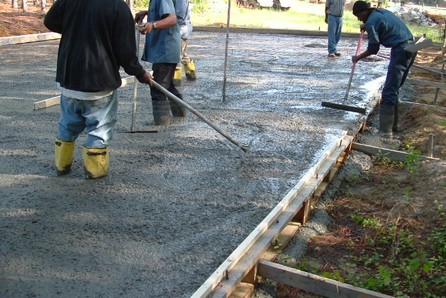 How to Pour a Concrete Slab Pour a Concrete Slab 5