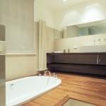 How to Install Wood Floor in your Bathroom